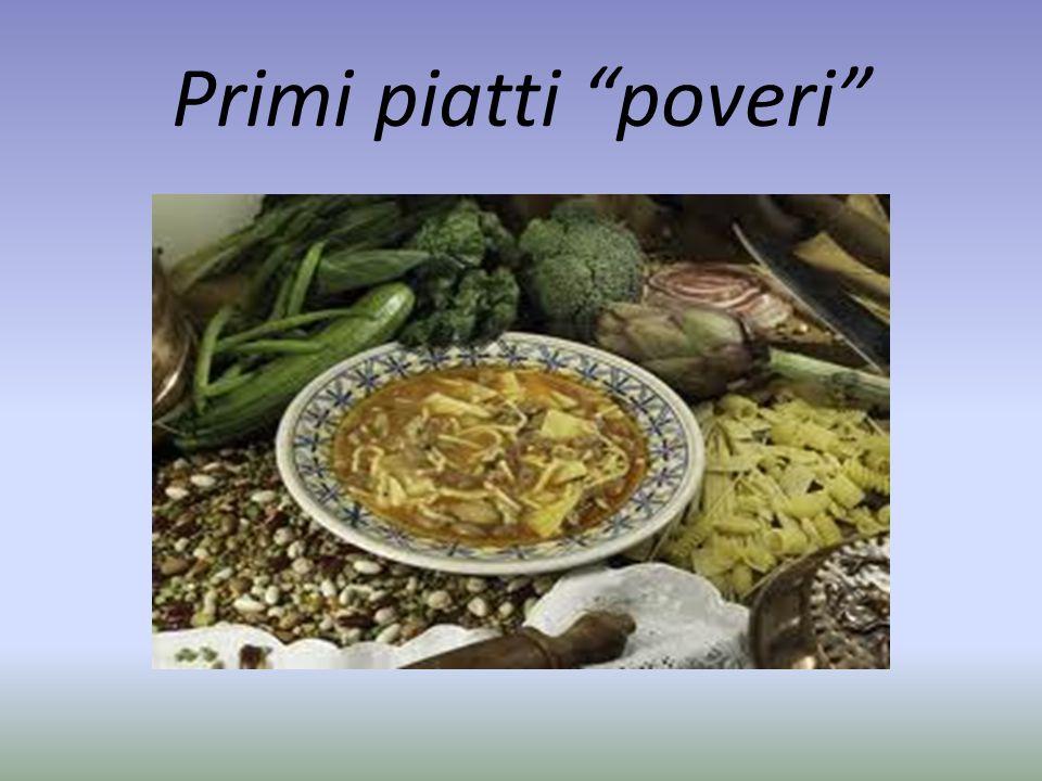 La cucina povera abbina spesso la pasta con i legumi.