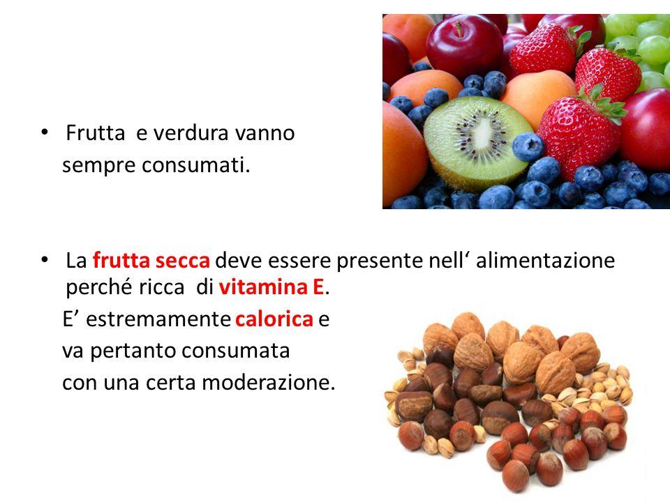 Frutta e verdura vanno sempre consumati.