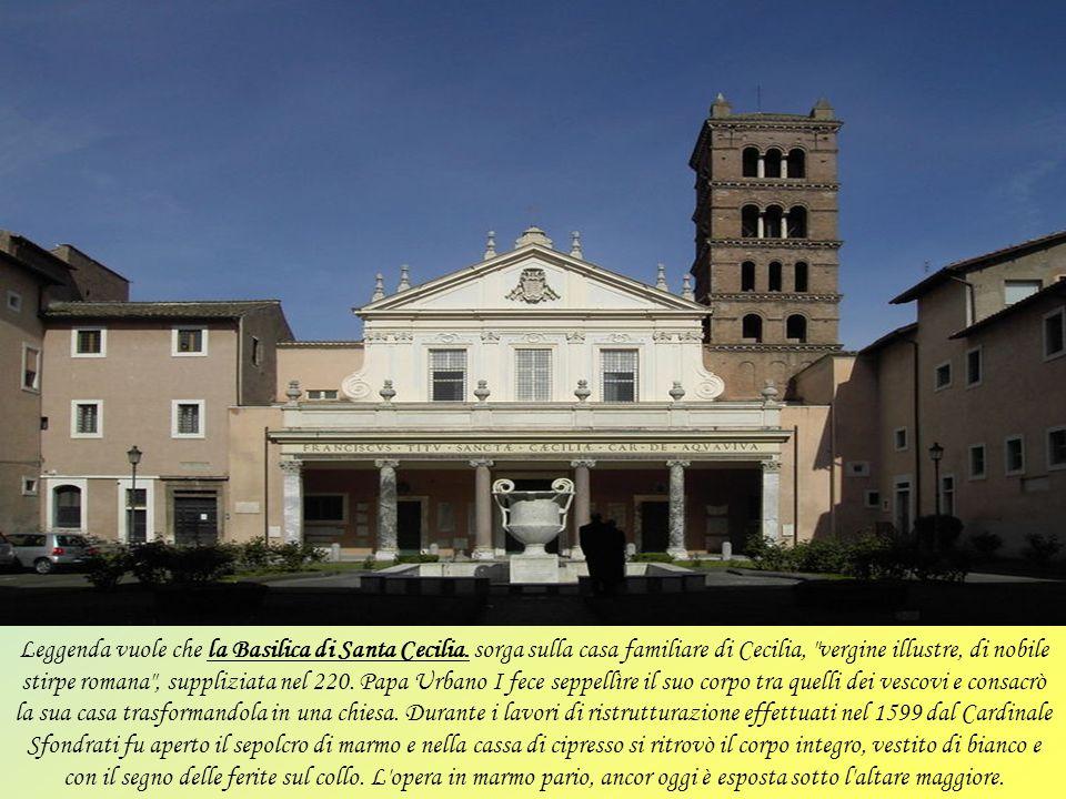 La basilicadi Sant'Agostino si trova vicino piazza Navona. Le origini risalgono al XIV secolo quando gli agostiniani decisero di costruire una nuova s