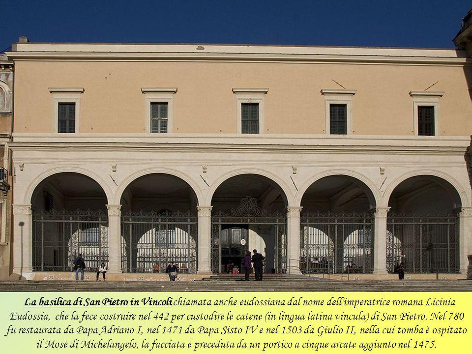 La basilica di Santa Francesca Romana, nota come Santa Maria Nova, fu fondata nel IX secolo e dedicata alla Santa omonima. Situata tra il Foro Romano