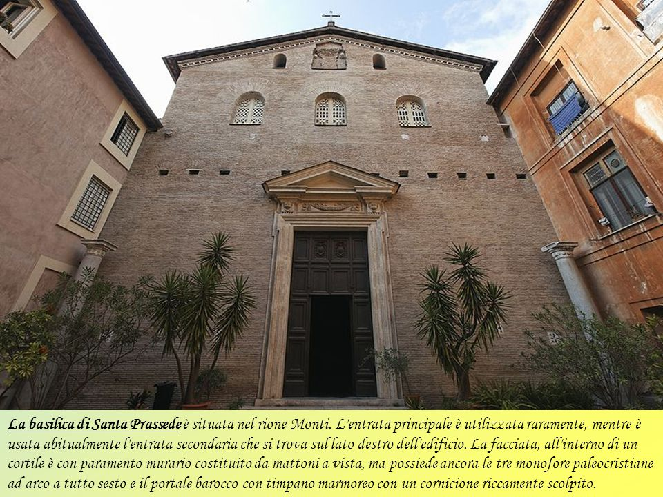 La basilica Santa Maria sopra Minerva situata nel Campo Marzio, vicino al Pantheon. Sorse sopra ad un tempio pagano dedicato alla dea Minerva, da cui
