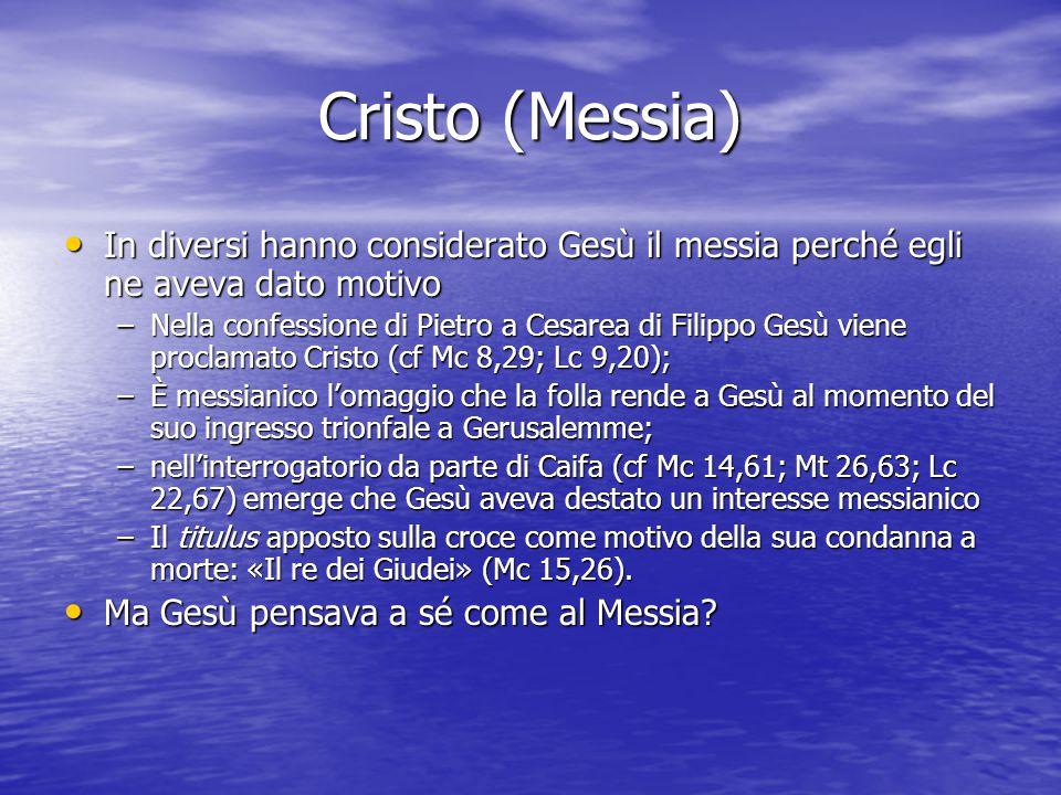 Cristo (Messia) L'episodio della confessione di Pietro (cf Mc 8,27-30): Gesù impone il silenzio ai discepoli sulla sua identità, probabilmente per evitare fraintendimenti e di essere identificato come un messia glorioso e politico; inoltre Gesù corregge la confessione di Pietro spostando l'accento sul suo destino di sofferenza (cf Mc 8,31-33), l'aspetto che più gli stava a cuore, a giudicare dal duro rimprovero rivolto a Pietro L'episodio della confessione di Pietro (cf Mc 8,27-30): Gesù impone il silenzio ai discepoli sulla sua identità, probabilmente per evitare fraintendimenti e di essere identificato come un messia glorioso e politico; inoltre Gesù corregge la confessione di Pietro spostando l'accento sul suo destino di sofferenza (cf Mc 8,31-33), l'aspetto che più gli stava a cuore, a giudicare dal duro rimprovero rivolto a Pietro Gesù, evidentemente, intendeva la sua messianicità in termini diversi dai suoi contemporanei e dal momento che le aspettative giudaiche escludevano qualunque umiliazione e sofferenza per il messia Gesù, evidentemente, intendeva la sua messianicità in termini diversi dai suoi contemporanei e dal momento che le aspettative giudaiche escludevano qualunque umiliazione e sofferenza per il messia L'episodio è la dichiarazione di Gesù davanti a Caifa durante il processo (cf Mc 14,62/Mt 26,64/Lc 22,67-70): Gesù non nega di essere il Cristo.