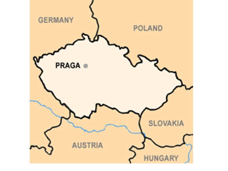 IN PIAZZA SAN VENCESLAO, IL 16 GENNAIO 1969 UN RAGAZZO, JAN PALACH, SI DETTE FUOCO PER PROTESTARE CONTRO L'INTERVENTO SOVIETICO IN CECOSLOVACCHIA