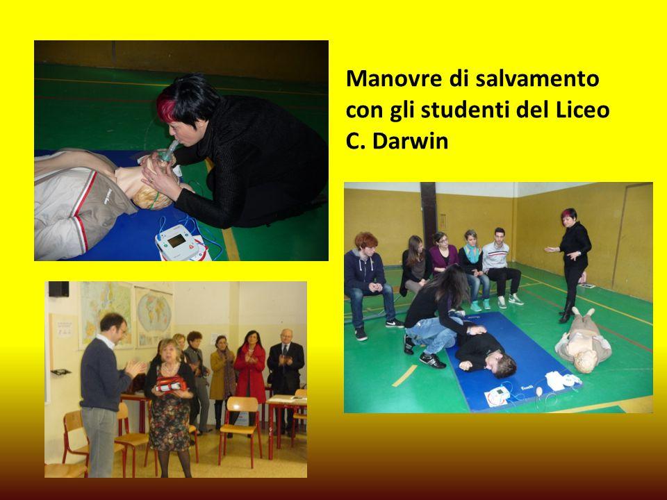 Manovre di salvamento con gli studenti del Liceo C. Darwin