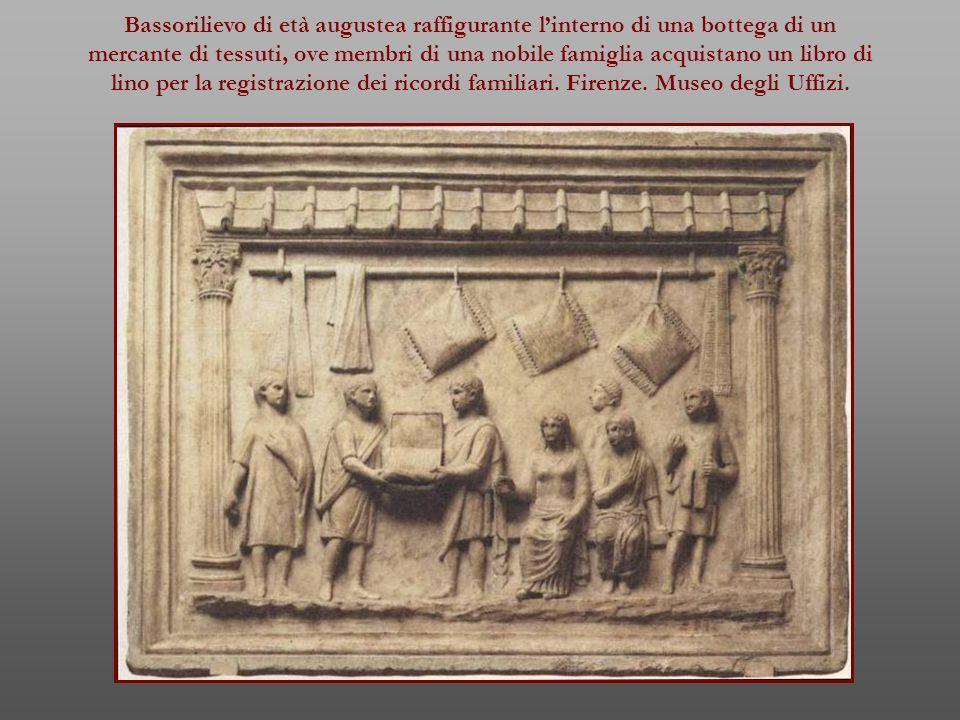 Bassorilievo di età augustea raffigurante l'interno di una bottega di un mercante di tessuti, ove membri di una nobile famiglia acquistano un libro di