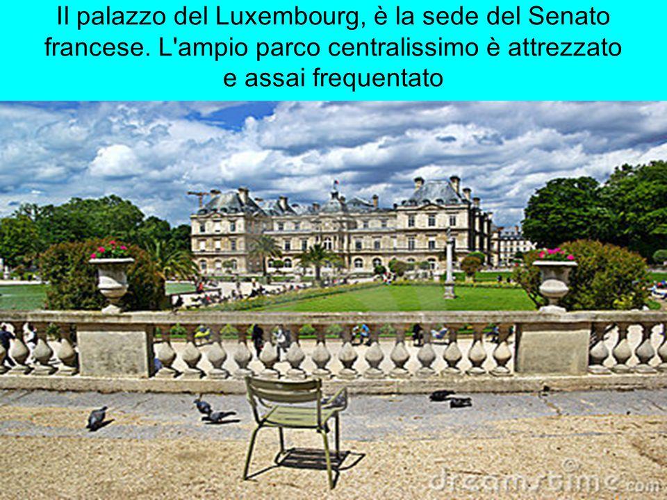 Il palazzo del Luxembourg, è la sede del Senato francese.
