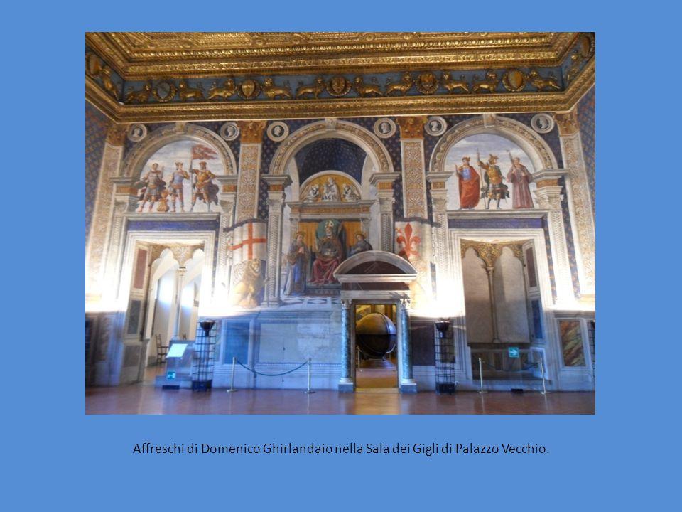 Madonna con bambino e Santi di Domenico Ghirlandaio è esposto nel Museo dei ferri taglienti, all'interno del Palazzo dei Vicari a Scarperia.