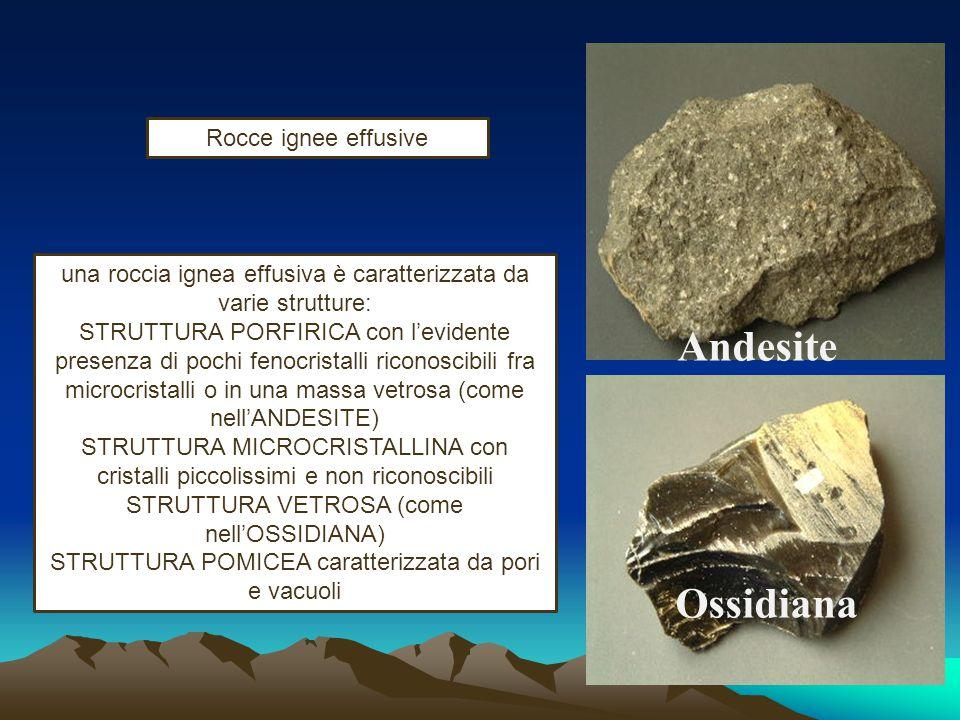 una roccia ignea intrusiva è caratterizzata da una STRUTTURA OLOCRISTALLINA con l'evidente presenza di cristalli ben formati giustapposti uno accanto