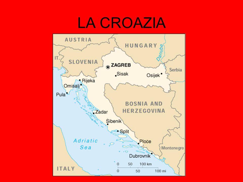 INFORMAZIONI Roma è la capitale della Repubblica Italiana, nonché capoluogo della provincia di Roma e della regione Lazio; in virtù del suo status di capitale, amministrativamente è un comune speciale.