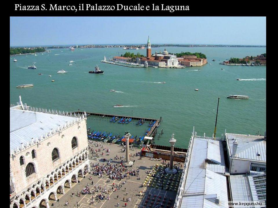 Piazza S. Marco, il Palazzo Ducale e la Laguna