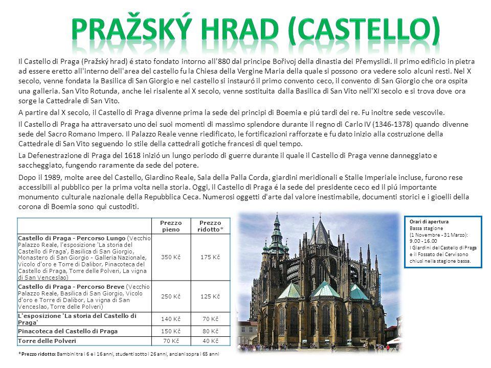 Il Castello di Praga (Pražský hrad) é stato fondato intorno all'880 dal principe Bořivoj della dinastia dei Přemyslidi. Il primo edificio in pietra ad