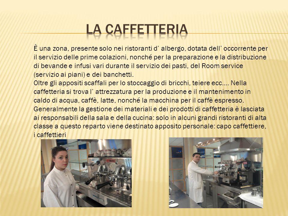 Il servizio ai piani della prima colazione richiede non solo una valida organizzazione, ma anche un certo grado di discrezione da parte dello chef aux étages.