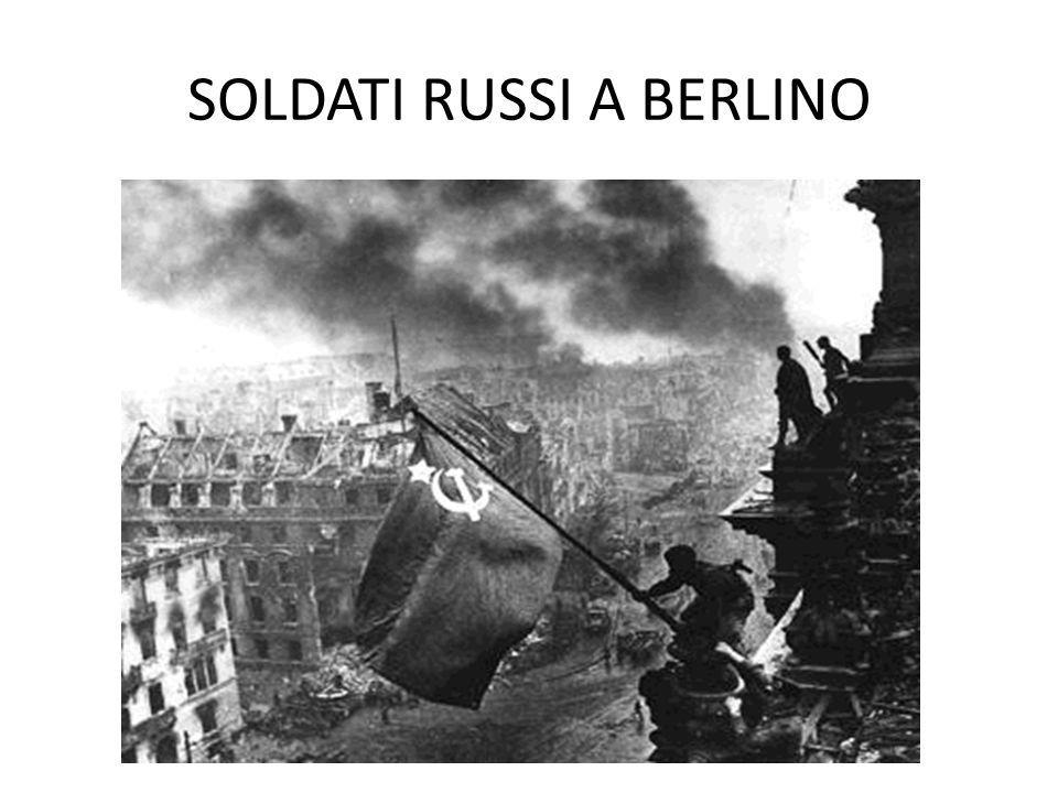 SOLDATI RUSSI A BERLINO