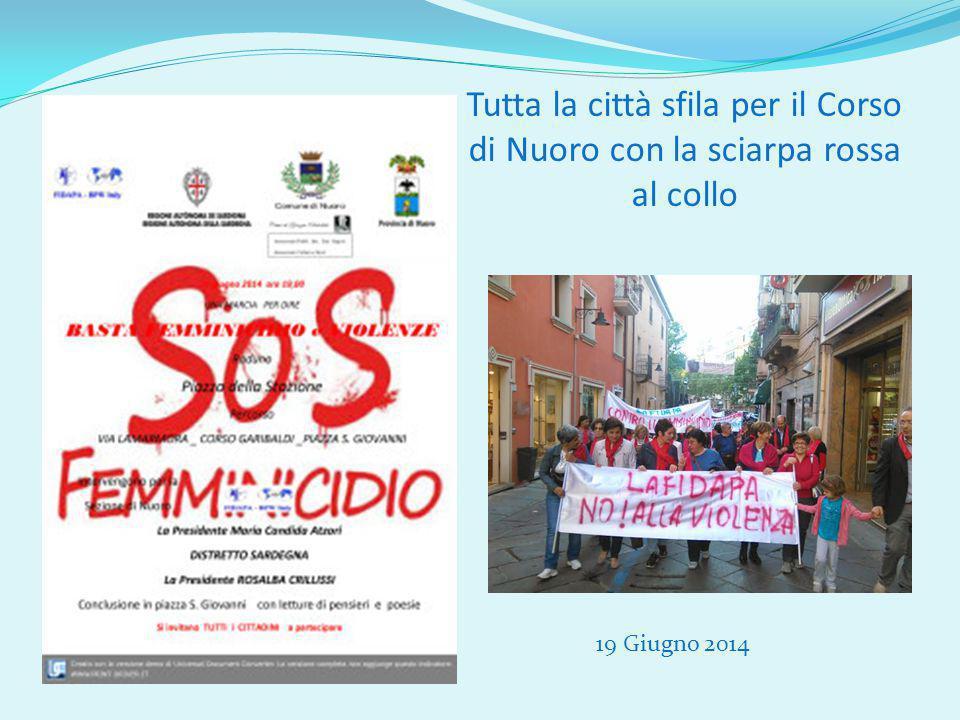 Tutta la città sfila per il Corso di Nuoro con la sciarpa rossa al collo 19 Giugno 2014