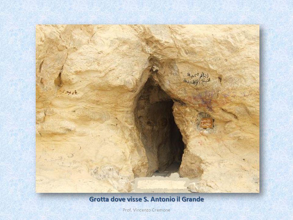 Grotta dove visse S. Antonio il Grande Prof. Vincenzo Cremone