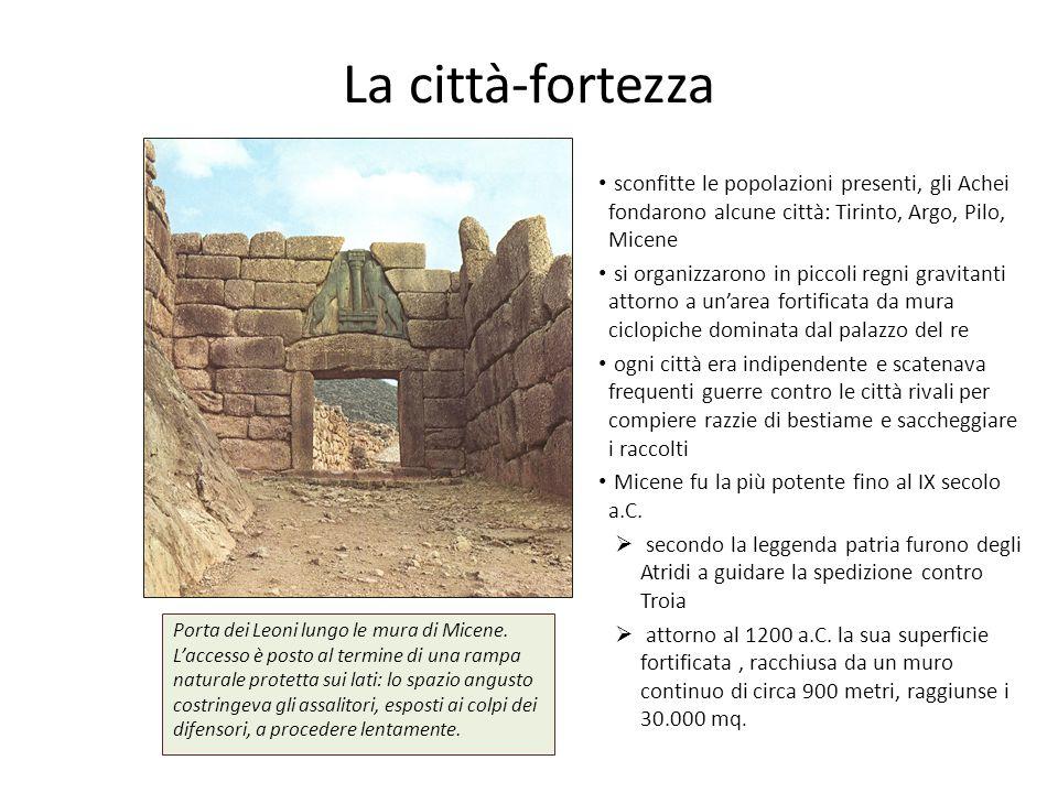 sconfitte le popolazioni presenti, gli Achei fondarono alcune città: Tirinto, Argo, Pilo, Micene si organizzarono in piccoli regni gravitanti attorno