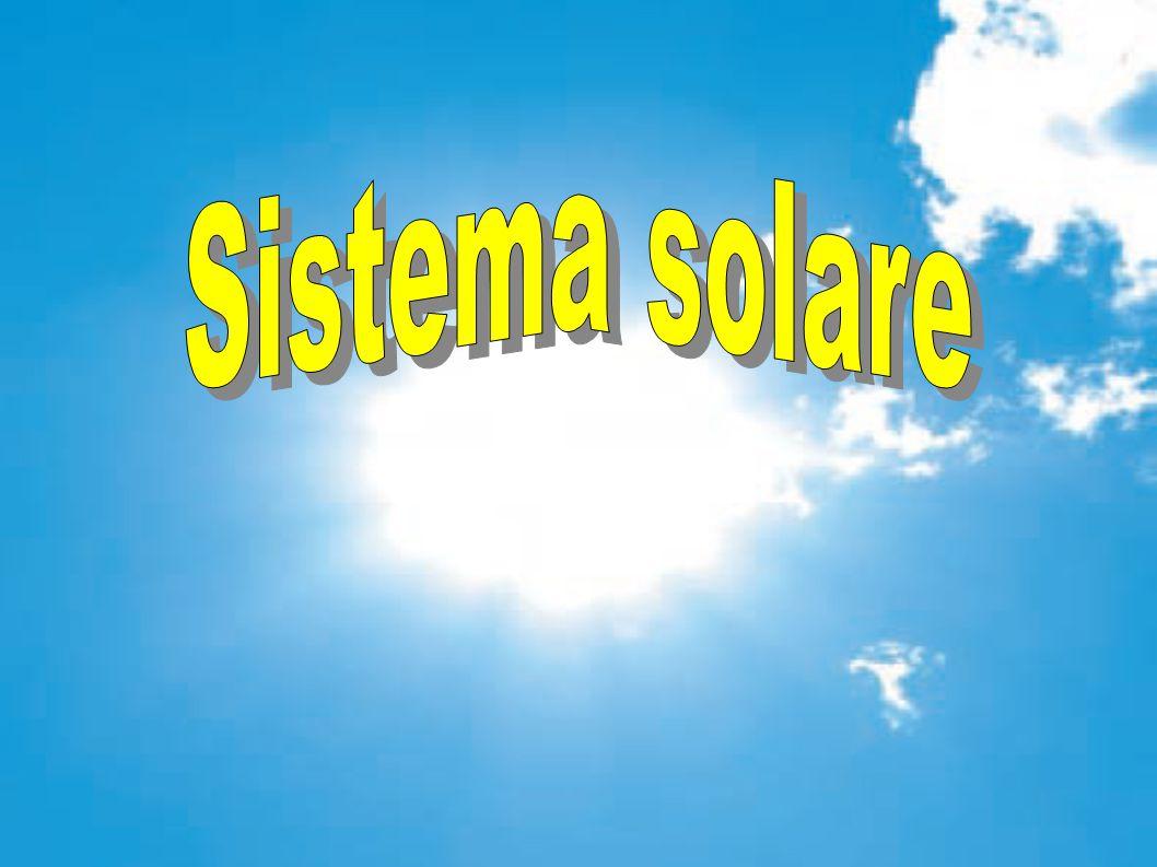 Pannelli fotovoltaici Ogni pannello è formato da una struttura metallica grande come un appartamento, ricoperta da migliaia di celle fotovoltaiche.