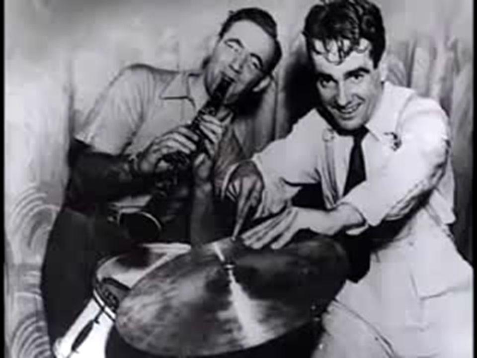Sing, Sing, Sing, è un brano musicale del 1936, scritto da Louis Prima. È considerato uno dei brani più rappresentativi del genere big band e swing. N