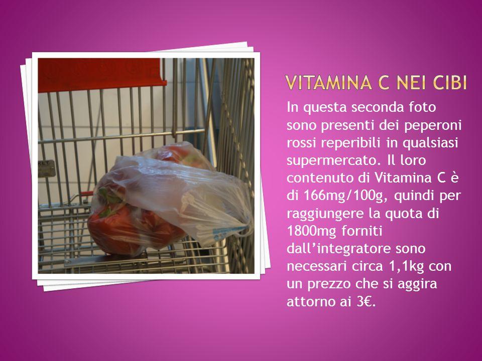 In questa seconda foto sono presenti dei peperoni rossi reperibili in qualsiasi supermercato. Il loro contenuto di Vitamina C è di 166mg/100g, quindi