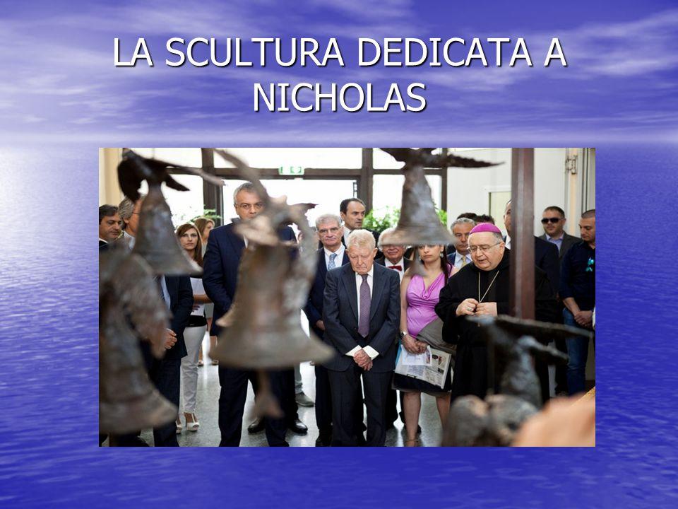 LA SCULTURA DEDICATA A NICHOLAS
