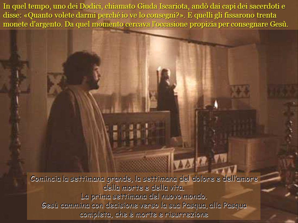 Venuto il mattino, tutti i capi dei sacerdoti e gli anziani del popolo tennero consiglio contro Gesù per farlo morire.