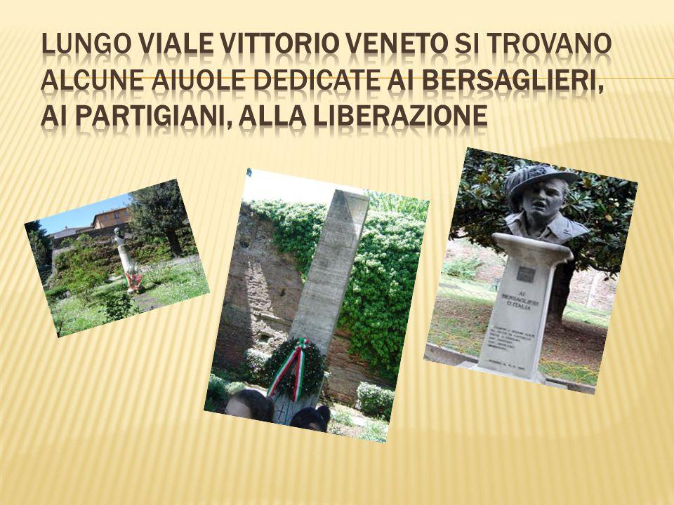 La nostra passeggiata prosegue attraversando la Piazza di fronte a Palazzo Albizzini, sede del Museo Burri.