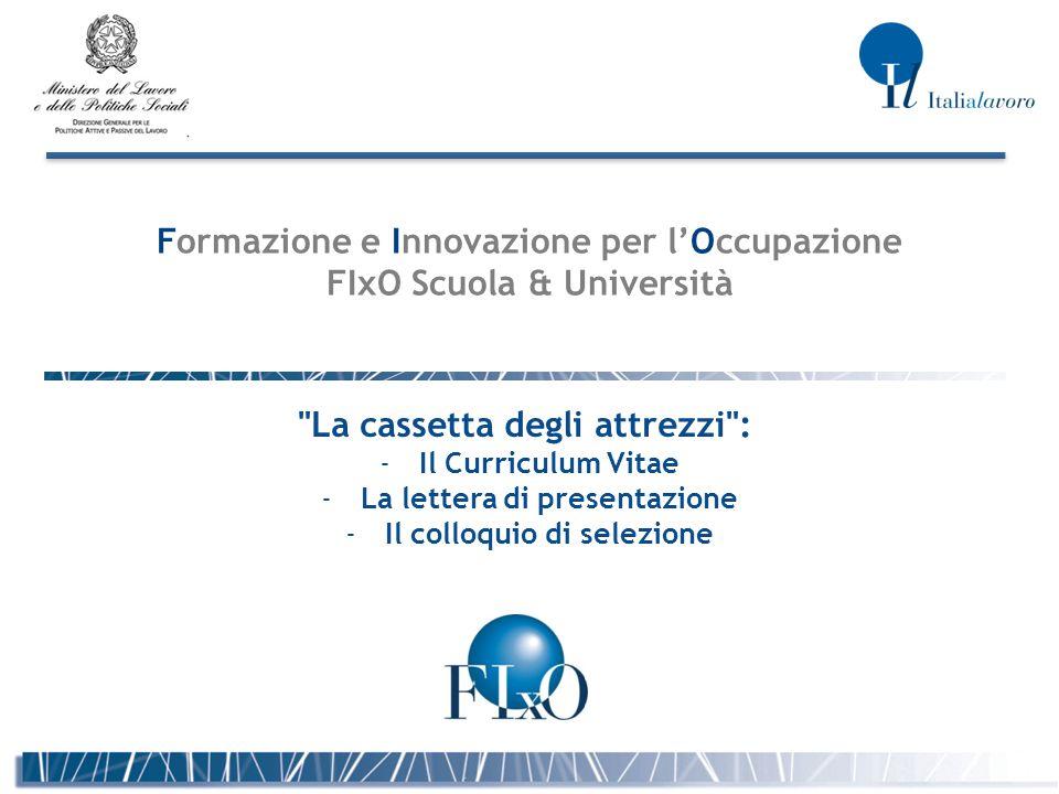 2 IL CURRICULUM VITAE 1/3 DEFINIZIONE: Corso delle vicende biografiche, di studio e lavorative di una persona; carriera, percorso professionale.