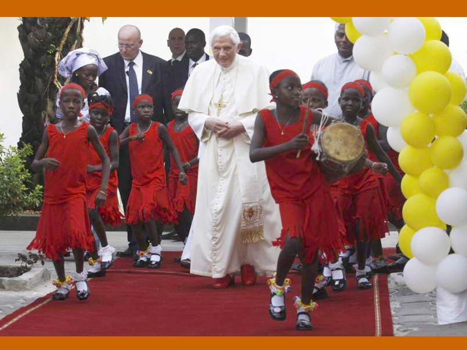 Benedetto XVI ha dedicato l'Udienza Generale di mercoledì 23 novembre 2011 nell'Aula Paolo VI al Viaggio Apostolico in Africa - Benin 18-20 novembre 2