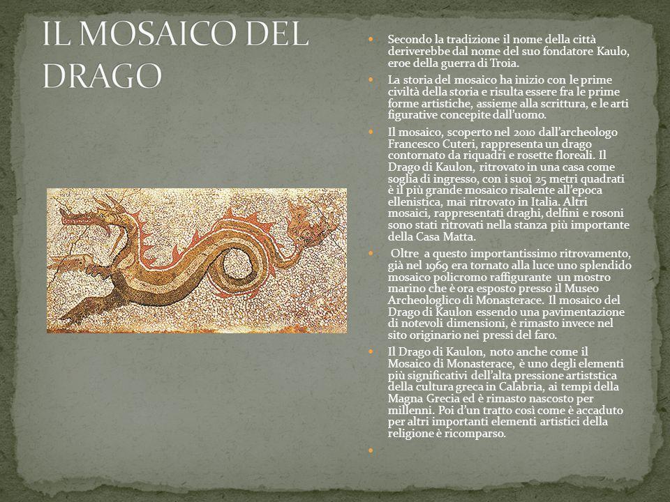 Secondo la tradizione il nome della città deriverebbe dal nome del suo fondatore Kaulo, eroe della guerra di Troia. La storia del mosaico ha inizio co