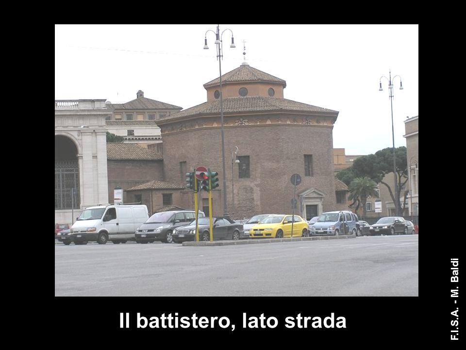 Il portico di ingresso originale F.I.S.A. - M. Baldi